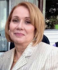 Dr. Evelyn  Irizarry MD