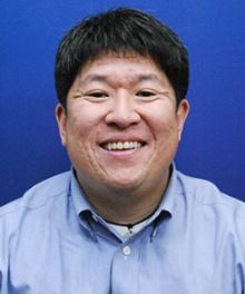 Dr. Kevin M Weaver  MD