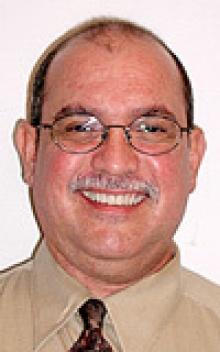 Dr. Robert  Castillo  M.D.