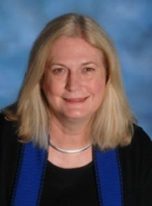 Cheryl A Lindstrom  MD