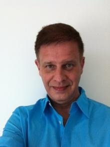 Dr. Robert Lance Charet  MD