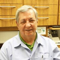 Dr. David Lee Warden D.D.S., Dentist