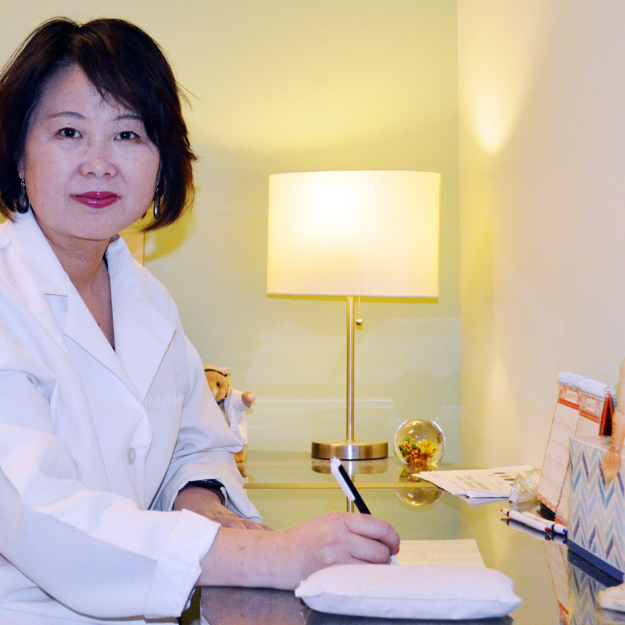 Daisy Dong L. AC. CMD, Acupuncturist