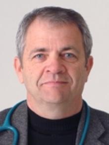 Daniel W Thompson  MD